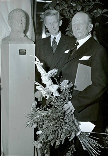 Vintage photo of Chief of Bureau Lindskog and Major Werner by Tom Bj246;rklund39;s portrait bust of the anniversary