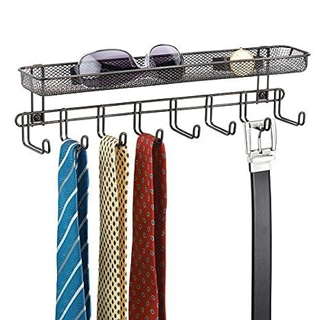 mDesign Perchero de pared con cesta organizadora color bronce - Colgador de collares y accesorios con 8 ganchos - Cuelga collares, aros, joyas, ...