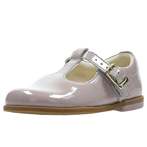6236ec73e5f Clarks Drew Shine Patent T Bar Girls First Shoes: Amazon.co.uk ...