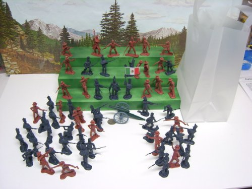alamo-figures-toy-soldiers-with-cannon-and-carrying-bag