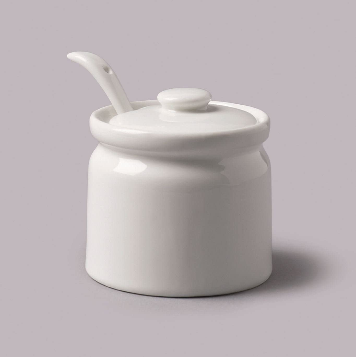 WM Bartleet /& Sons Ceramic White Flour Sugar Shaker Sifter with Handle