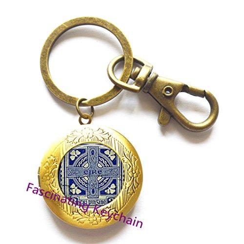 Vintage Ireland Stamp Locket Key Ring Cross Locket Keychain Fashion Women Jewelry Ireland Memento Birthday Christmas Gift Glass Cabochon Amulet,AQ136 ()