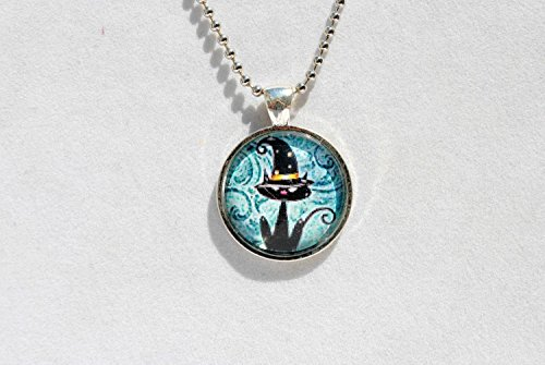 Halloween - Black Cat With Witch Hat Glass Dome Circle Necklace (Halloween Caricatures)