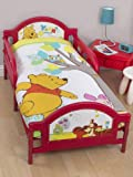 Winnie the Pooh Forest Junior Panel 4 in 1 Bed Set (Duvet + Pillow + Covers)