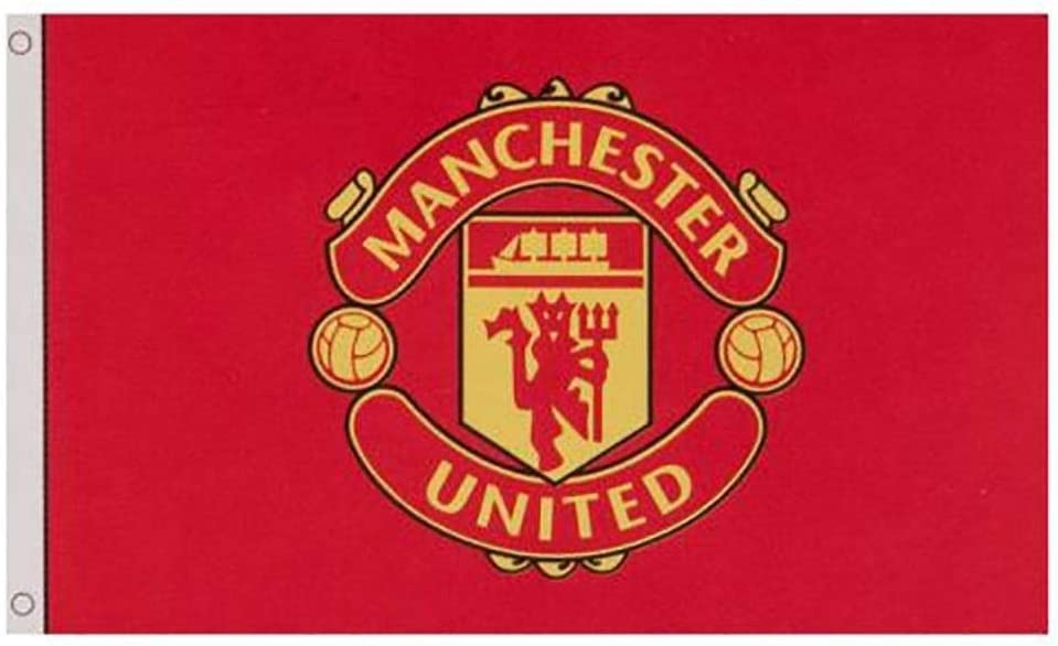 Amazon Com Manchester United Fc Flag Core Crest Cc Sports Outdoors
