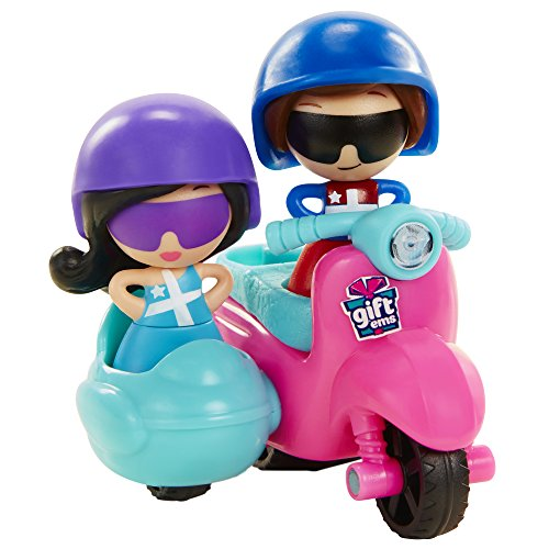 Gift'ems Scooter Play set with Exclusive Greece Gift'ems Couple