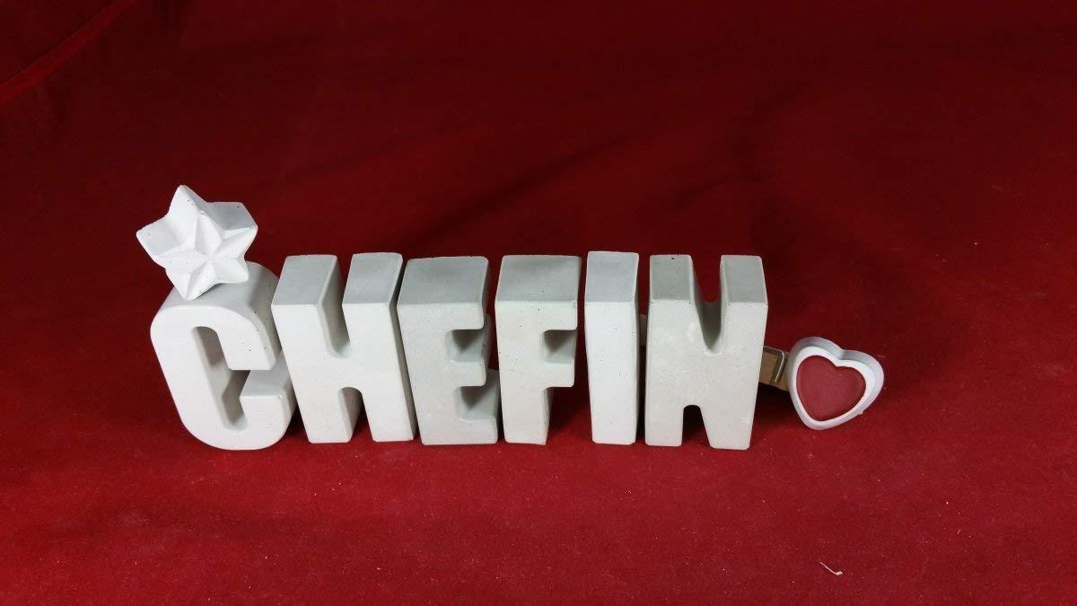 Beton, Steinguss Buchstaben 3 D Deko Schriftzug CHEFIN mit Stern und Herzklammer als Geschenk verpackt! Ein ausgefallenes Geschenk als Deko Schriftzug fü r einen schö nen Platz im Home.
