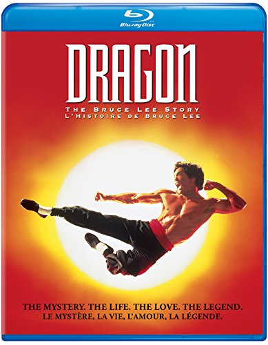 This enjoyable and touching biography of martial-arts film star Bruce Lee stars Jason Scott Lee (no relation), an actor with a lively face and natural intensity, who makes every moment of this film compelling. Directed by Rob Cohen, Dragon traces Bru...