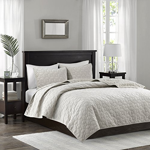 Madison Park Harper Velvet King/Cal King Size Quilt Bedding Set - Ivory, Geometric - 3 Piece Bedding Quilt Coverlets - Velvet with 90% Cotton Filling Bed Quilts Quilted Coverlet