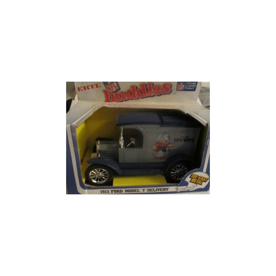 Dallas Cowboys Diecast 1983 Ertl NFL Huddles Coin Bank   1913 Ford Model T Delivery Truck Collectible
