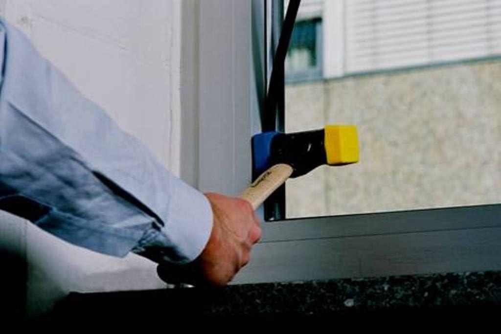 WIHA 26654 - Martillo de cara blanda Safety blando/semiduro 832-15 ...