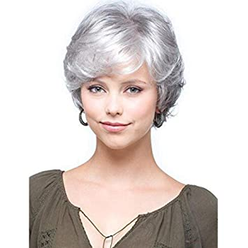 Pelo corto gris plateado