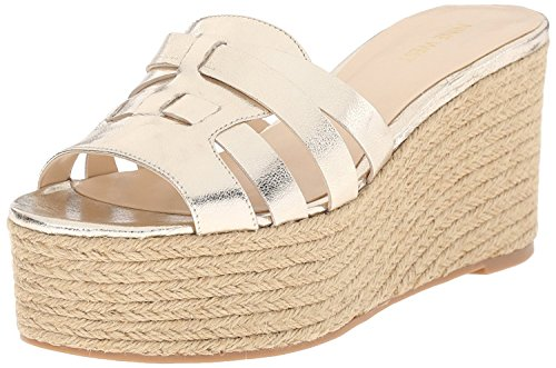 Nine West Women's Eleena Metallic Wedge Sandal, Light Gold, 41.5 B(M) EU/8.5 B(M) UK