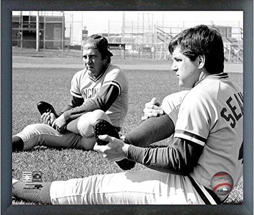 "Johnny Bench & Tom Seaver MLB Action Photo (Size: 17"" x 21"")"