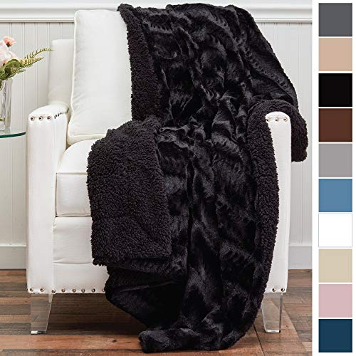 (The Connecticut Home Company Luxury Faux Fur with Sherpa Reversible Throw Blanket, Super Soft, Large Wrinkle Resistant Blankets, Warm Hypoallergenic Machine Washable Couch/Bed Throws, 65x50 (Black) )
