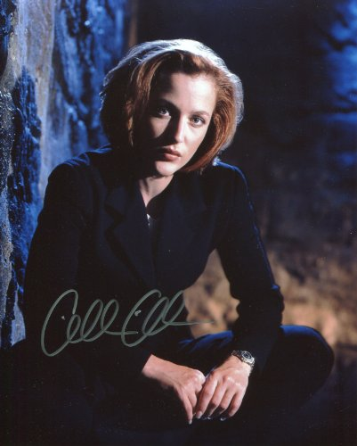 Gillian Anderson Signed / Autographed 8x10 glossy X Files Photo Portraying Agent Dana Scully. Includes Fanexpo Fanexpo Certificate of Authenticity and Proof. Entertainment Autograph Original.