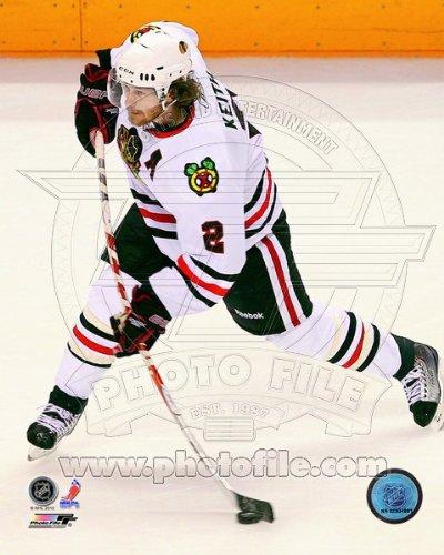 Amazon.com  Duncan Keith Chicago Blackhawks NHL Action Photo 8x10 ... c457b455c