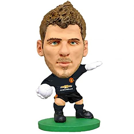 59f8bdf6e Soccerstarz Man Utd David De Gea Home Kit 2015 Version Figures  Amazon.in   Toys   Games