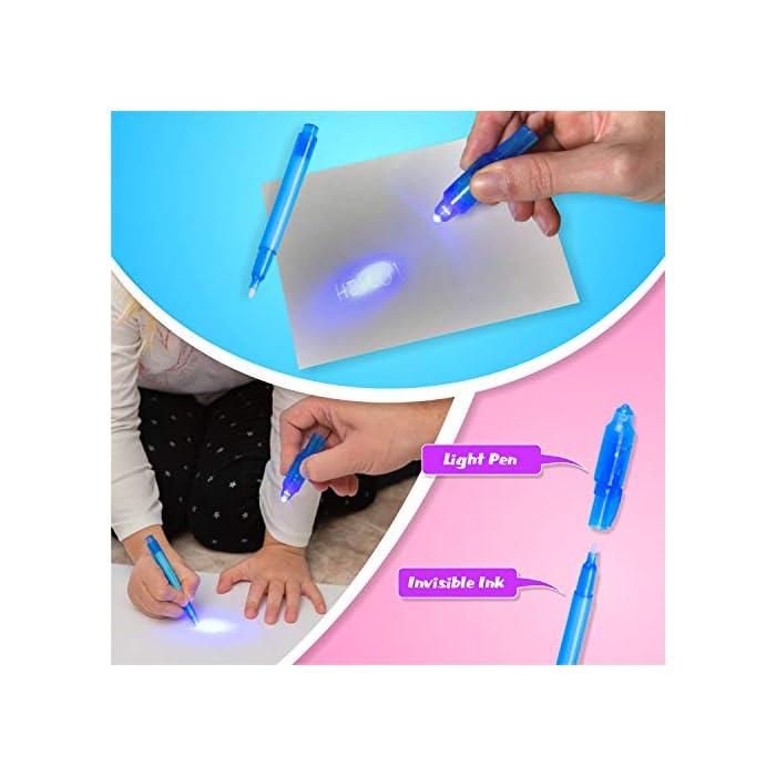 51KiSK4CrWL 🌟 DIBUJOS MÁGICOS CON LUZ: Realiza vibrantes dibujos luminosos con nuestra pizarra infantil. Educativa y Multifuncional mantendrá al niño divertido y fomentará la creatividad e imaginación de forma original e interactiva. El tablero fotoluminescente atrapa la luz permitiendo generar dibujos en la oscuridad que duran hasta 15 minutos en la pizarra antes de desvanecerse. 🌟 MOMENTOS ÚNICOS CON TUS HIJOS: Ideal para compartir tiempo entre padres e hijos en los momentos de relajación y descanso antes de ir a dormir. Potencia el vínculo afectivo compartiendo y fomentando la imaginación de tu niño. 🌟 ACCESORIOS DE DIBUJO: Junto a su pizarra recibirá un bolígrafo mágico que permite dibujar con Luz Real, y 2 plantillas de números y formas para realizar los más creativos y originales dibujos.