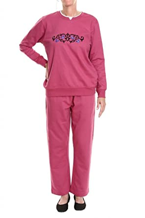 c3cbd4d78e Pembrook Women's Embroidered Fleece Sweatsuit Set at Amazon Women's ...