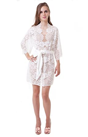 42044e41532 Girl aSeriousDream Swan Queen French Lace Robe Wedding Kimono Bridesmaids Robes  Ivory (Small)