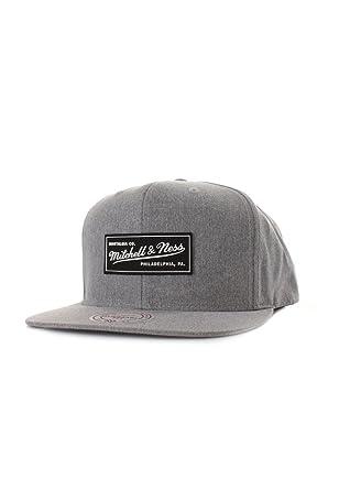 7398301fef3 Mitchell   Ness Milo EU829 Grey Nostalgia Logo Snapback Cap Kappe Basecap   Amazon.co.uk  Clothing