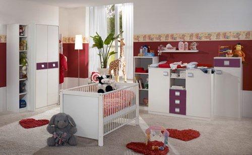 Babyzimmer 5-tlg. in Apinweiß/Brombeer, 2-trg. Schrank B: 90 cm, Babybett 70x140 inkl Lattenrost, Wickelkommode, Stauraumelement, Regal