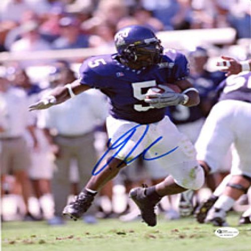 - LaDainian Tomlinson Autographed / Signed Breaking a Tackle 8x10 Photo