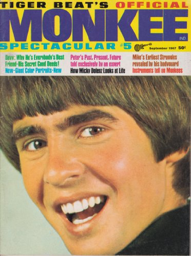 - MONKEE SPECTACULAR #5 DAVY JONES CENTERFOLD POSTER & SHIRTLESS PIN-UP The Monkees TIGER BEAT September 1967 (Tiger Beat's Monkee Spectacular)