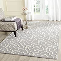Safavieh Cambridge Collection CAM141D Handcrafted Moroccan Geometric Silver and Ivory Premium Wool Area Rug (8 x 10)