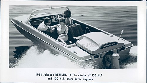 1960 Photo 1966 Johnson Reveler Boat 120 HP Stern Drive Engine Beautiful Woman
