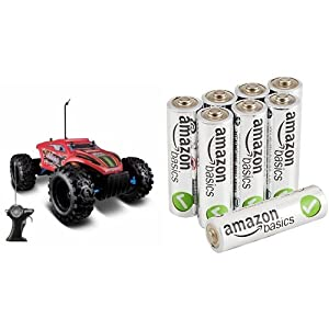 Maisto R/C Rock Crawler Extreme Radio Control Vehicle in Standard Packaging with AmazonBasics AA Batteries Bundle