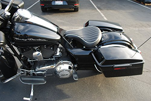 "La Rosa 2008-2016 Harley All Touring/Bagger Models Road King,Street Glide, Road Glide, Electra Gide Solo Seat Mounting Kit - Black with 2"" Black Scissor Springs"