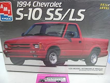 Amazon Com Amt 8964 1994 Chevrolet S 10 Ss Ls 1 25 Scale Plastic