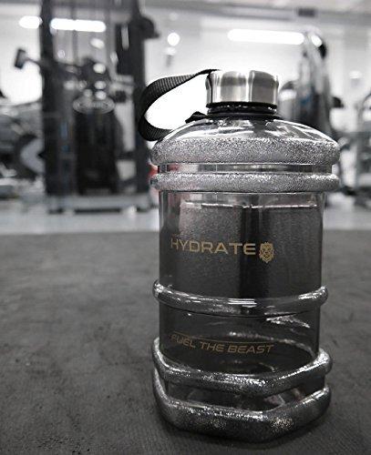 Botella de agua premium con forma hexagonal de medio galón, gran capacidad de 2,3 litros, diseño con forma de mancuerna, resistente tapa de rosca, ...