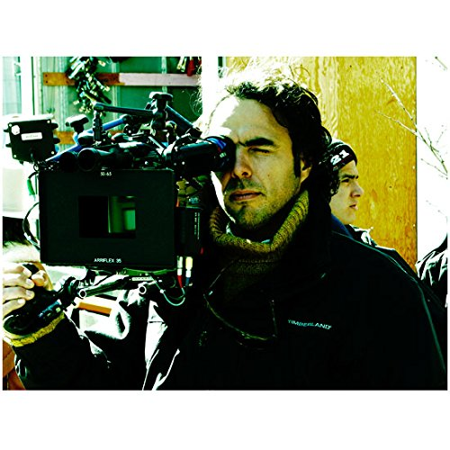 21 Grams Alejandro G. Inarritubehind camera8 x 10 Inch Photo