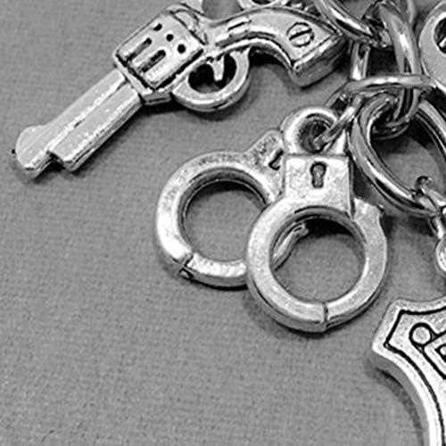 Amosfun gracias llavero insignia de la polic/ía creativo pistola colgante llavero acci/ón de gracias acero inoxidable llavero regalo 1pcs