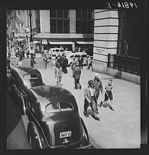 Photo: Fifth Avenue at 44th Street looking north. New York - York New Avenue Map 5th