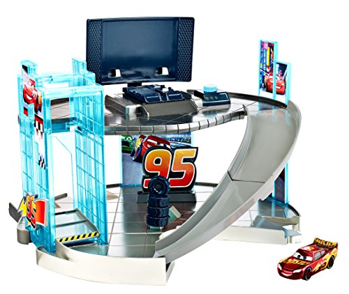 Mattel Disney Pixar Cars 3 - Rust-eze Racing Center Playset ()