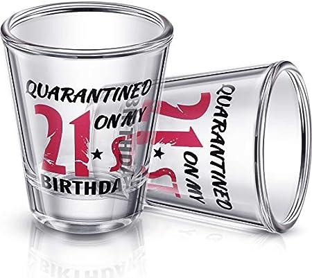 Contenido del paquete: obtendrá 2 piezas de copas de vino de 21o cumpleaños de 2 oz en este paquete,