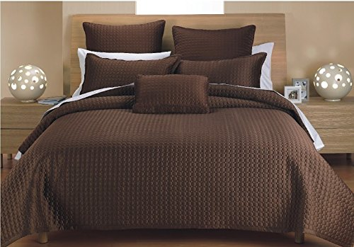 J&J Bedding Classic Circle Quilt, Full/Queen, Coffee