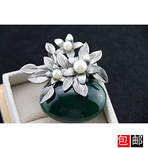 - Simulation high-grade fine green jade stone vase with a pearl brooch flower brooch pin dual-purpose winter coat