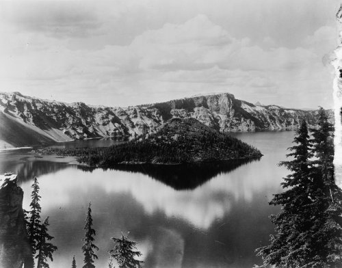 Early 1900s Photo (early 1900s photo Mountains and Crater Lake, Or. Vintage Black & White Photog)