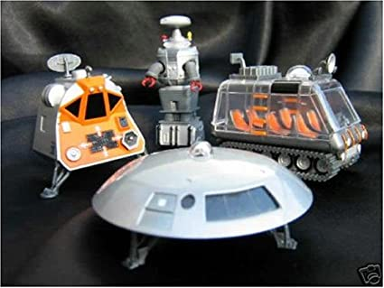 Amazon Com Lost In Space Die Cast Metal Vehicles Robot Space Pod