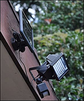 Express Trading - Reflector con panel solar y sensor de movimiento PIR para exterior (60