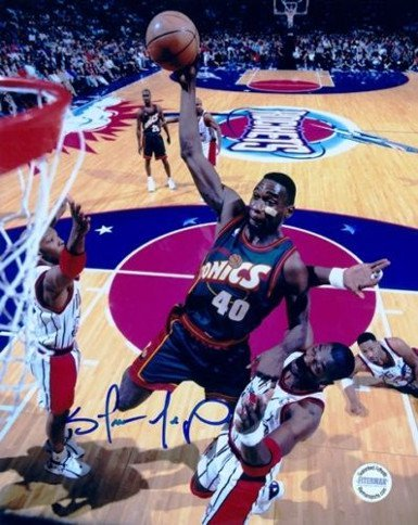RDB Holdings & Consulting CTBL-020008 8 x 10 in. Shawn Kemp Signed Seattle Supersonics Photo - Green Jersey VS Hakeem Olajuwon from RDB Holdings & Consulting