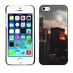 For Apple iPhone 5 / iPhone 5S Case , Building Reflection City View - Diseño Patrón Teléfono Caso Cubierta Case Bumper Duro Protección Case Cover Funda