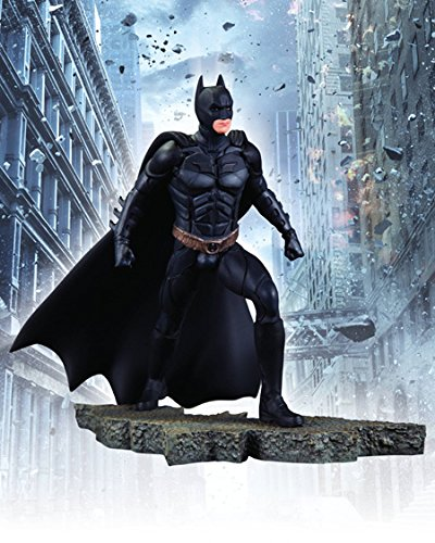 (DC Direct The Dark Knight Rises: Batman 1:12 Scale Statue)