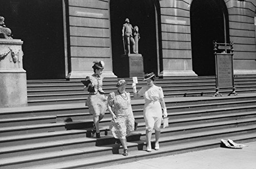 Chicago Art Institute 1940 Nthree Women Leaving The Art Institute Of Chicago In Chicago Illinois Photographed By John Vachon July 1940 Poster Print by (24 x 36)
