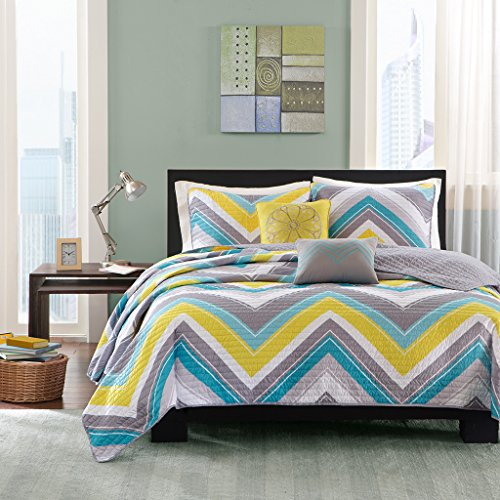 (Intelligent Design Elise Twin/Twin XL Quilt Bedding Set - Blue, Yellow, Grey, Cheveron – 4 Piece Teen Girl Boy Bedding Quilt Coverlets – Peach Skin Fabric Bed Quilts Quilted Coverlet)
